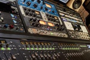 Hardware-studio-equipment